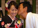 石田純一、結婚披露宴前に理子に誓いのキス