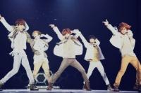 SHINee(左からジョンヒョン、キー、テミン、ミンホ、オンユ)