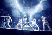 SHINee(左からジョンヒョン、オンユ、テミン、ミンホ、キー)
