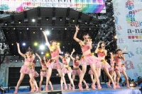 『a-nation 2012 stadium fes』に出演したSUPER☆GiRLS