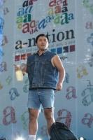 『a-nation 2012 stadium fes』に出演したスギちゃん