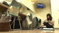 『いきものがかりドキュメント』番組カット<br> 本番前にストレッチする吉岡聖恵 (C)NHK