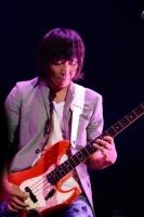 『Mr.Children[(an imitation) blood orange]Tour』横浜アリーナ公演の模様<br>中川敬輔<br>(撮影:渡部伸)