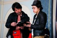 大谷健太郎監督(左)とさとうけいいち監督(c)2014 枢やな/スクウェアエニックス(c)2014 映画「黒執事」製作委員会<br>⇒