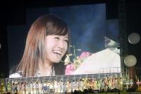 『AKB48 2013真夏のドームツアー』東京ドーム公演最終日の模様 スクリーンに映る前田敦子
