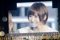 『AKB48 2013真夏のドームツアー』東京ドーム公演最終日の模様 スクリーンに映る篠田麻里子