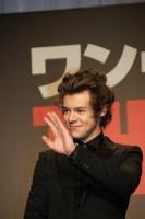 ハリー<br>ワン・ダイレクション『来日イベントでサプライズ生声熱唱☆日本の女子はかわいい!!』 ⇒