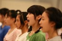 『AKB48グループ ドラフト会議』に向け、初レッスンを行う候補生<br>ボイスレッスンの模様