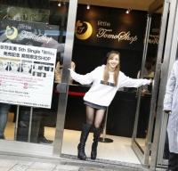 板野友美が表参道に期間限定ショップ『little Tomo SHOP』をオープン