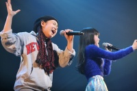 『oricon Sound Blowin' 2014〜spring〜』に出演した<br>LITTLE GLEE MONSTERの(左から)麻珠、芹奈