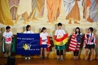 歓迎フェスティバルでは、ワールド会メンバーが留学に行った現地の言葉で挨拶♪