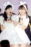 AKB48グループ東京ドームコンサート 2日目の模様<br>渡辺麻友と島崎遥香