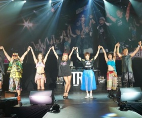 『a-nation taiwan』<br>コラボレーションした倖田來未とTRF