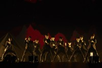 EXO(左から)シウミン、スホ、チェン、セフン、チャンヨル、カイ、レイ、ディオ、タオ、ベクヒョン