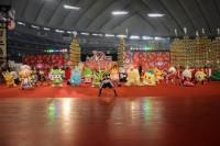 『ゆるキャラリンピック』でストレッチするゆるキャラたち (C)oricon ME inc.
