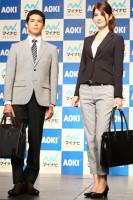 (左から)菅谷哲也、マギー