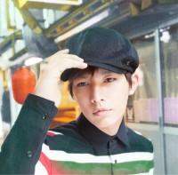 AARON(アーロン/炎亞綸)の1stアルバム『The Moment -記念日-』【初回限定盤】(2013年3月6日発売)