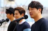 キム・ヒチャン、EXO スホ、チェ・ジョンヨル監督