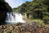 【オトナの社会科見学Vol.1ー霧島酒造】日本の滝100選の1つ「関之尾の滝」が工場の近くにある