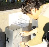 【オトナの社会科見学Vol.1ー霧島酒造】蛇口からは霧島裂罅水が。地元の方も汲みに来る