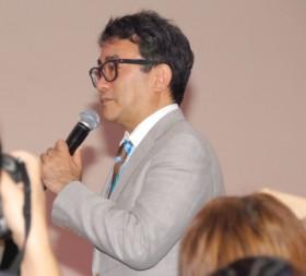 記者席から質問するサプライズで沸かせた三谷幸喜氏=大河ドラマ『真田丸』出演者発表会 (C)ORICON NewS inc.