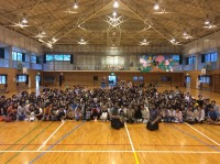 震災被害の大きかった湯布院の小学校を訪問。
