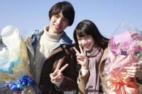 初共演でカップル役を演じた福士蒼汰と小松菜奈のクランクアップの様子