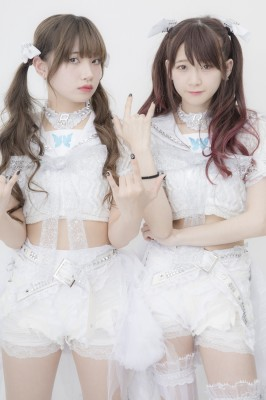 The Idol Formerly Known As LADYBABY(左から)黒宮れい、金子理江