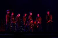 EXO(前列左から)スホ、シウミン(後列左から)ベクヒョン、チェン、レイ、セフン、チャンヨル、ディオ、カイ