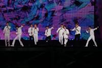 EXO(左から)チェン、チャンヨル、セフン、シウミン、レイ、ベクヒョン、スホ、カイ、ディオ