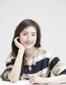 天海祐希インタビュー撮り下ろしカット(写真:RYUGO SAITO)