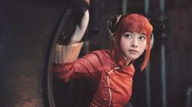 神楽(橋本環奈)最強の戦闘種族・夜兎族の生き残りで、万事屋に住み込む少女。かわいい見た目に反して暴言やボケを連発する。
