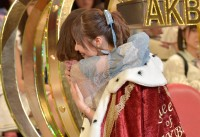 『第9回AKB48選抜総選挙』1位 指原莉乃と2位の渡辺麻友