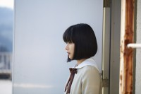 言葉を封印された少女・成瀬順(芳根京子)