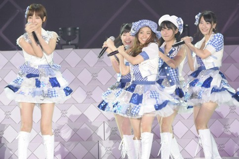 http://contents.oricon.co.jp/photo/photoImg/P/L/317/0_02116800_1345898182.jpg