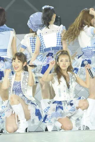 http://contents.oricon.co.jp/photo/photoImg/P/L/317/0_55415600_1345898182.jpg