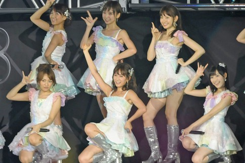 http://contents.oricon.co.jp/photo/photoImg/P/L/317/0_67103700_1345895033.jpg