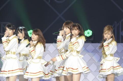 http://contents.oricon.co.jp/photo/photoImg/P/L/317/0_77975800_1345893820.jpg