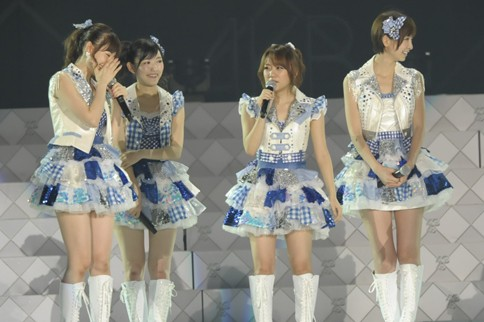 http://contents.oricon.co.jp/photo/photoImg/P/L/318/0_02126100_1345984112.jpg