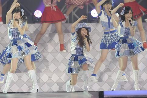 http://contents.oricon.co.jp/photo/photoImg/P/L/318/0_22309300_1345984118.jpg