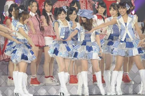http://contents.oricon.co.jp/photo/photoImg/P/L/318/0_51232600_1345984117.jpg