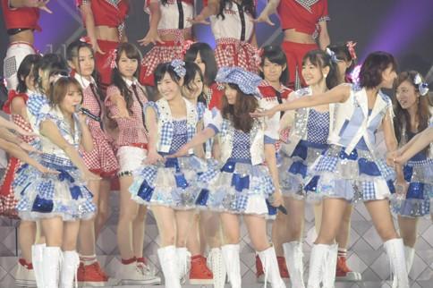 http://contents.oricon.co.jp/photo/photoImg/P/L/318/0_82425300_1345984117.jpg