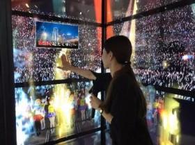360度観客に囲まれ熱唱 VRで「超感覚カラオケ」 「変なホテル」に登場