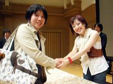4thアルバム『4つのL』発売の際の握手会の様子