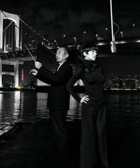 椎名林檎(右)と斎藤ネコ(左)