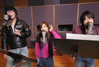 『CUBE LOVES MUSIC』第1弾、絢香×コブクロのコラボレーション楽曲「WINDING ROAD」の収録の模様