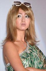9月29日(土)、主演映画『クローズド・ノート』の初日舞台挨拶に出席した女優の沢尻エリカ