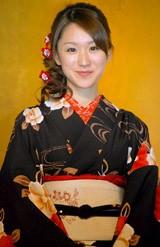 BS民放5局共同SP番組記者会見で晴れ着姿を披露した堂真理子アナ(07年12月05日撮影)