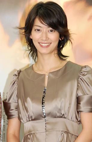 映画『泪壺』の初日舞台挨拶に登壇した佐藤藍子