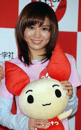 『いっしょに献血キャンペーン』のオープニング記者発表会に広報キャラクターとして参加した市川由衣
